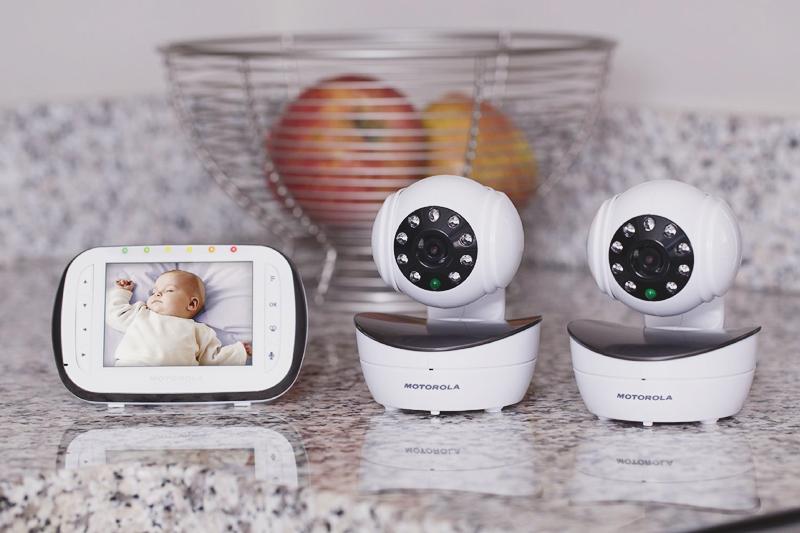 01-Motorola Wireless Digital Infrared Video Baby Monitor