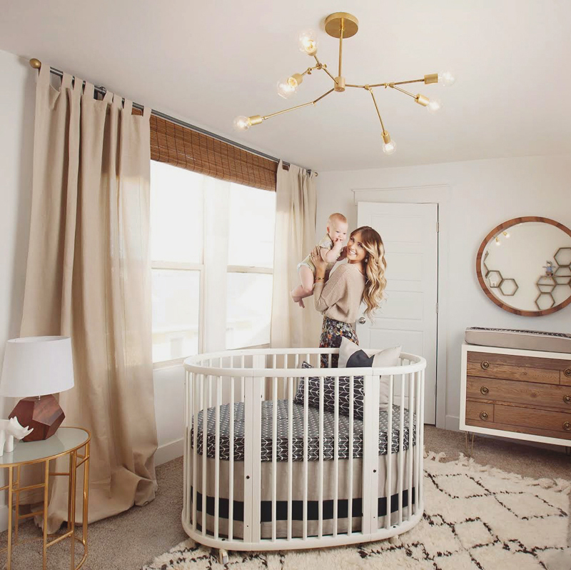03-Babyletto Hula Convertible Oval Crib