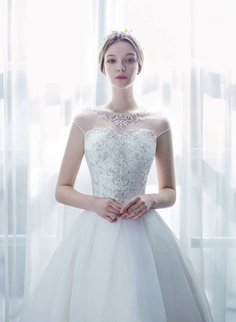 18 Stunning Wedding Dresses with Dramatic Neckline Designs! - Praise ...