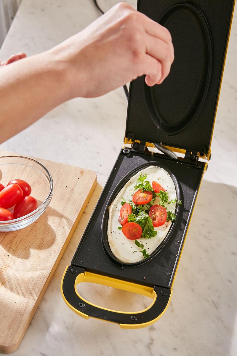 08-Easy Flip Omelette Maker