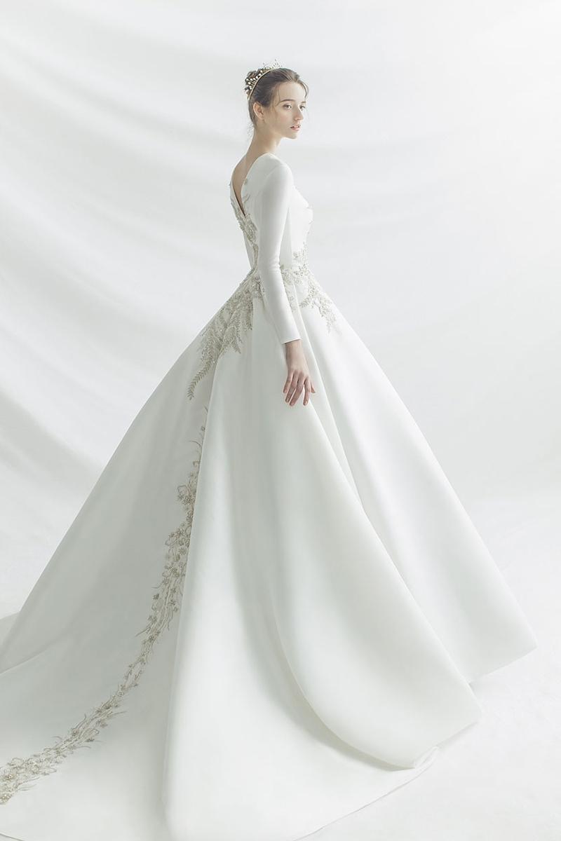 winter long sleeve wedding dress